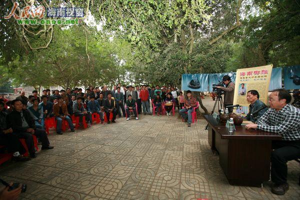 儋州市委书记请来椰雕大师助村民开辟致富路