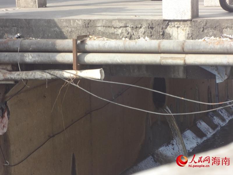 周边用户混接、错接导致雨水口变成新的排污口