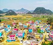 广西柳州贫困村变身七彩童话村 助力村民脱贫
