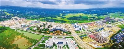 """建设好海南国际旅游岛 推动经济持续健康发展央视春晚海南分会场揭开神秘""""面纱"""",展示着海南国际旅游岛的风采,引来网友们""""海南味、世界范""""等点赞。"""