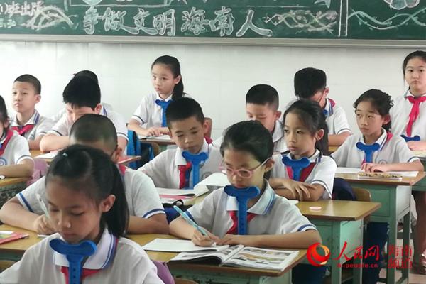 海口8岁小学生写军舰走红网络是个小军迷