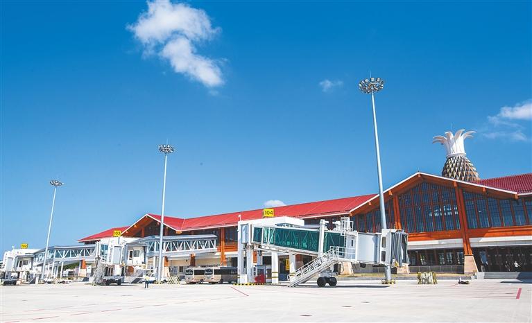 三亚凤凰国际机场新扩国际航站楼正式启用