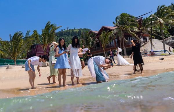 国庆长假分界洲岛海上项目受欢迎 成婚纱旅拍圣地