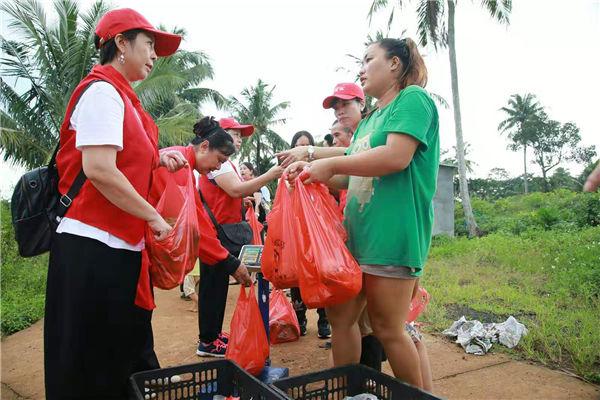 助力精准扶贫海口举行红色旅游公益扶贫活动_俄罗斯旅游攻略