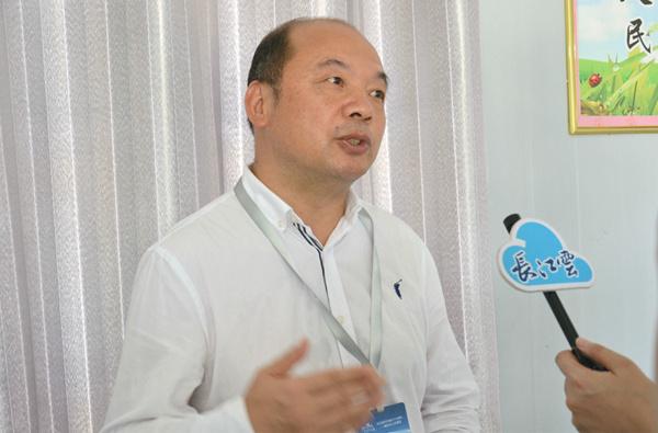 """杨建国:产业扶贫成十堰脱贫""""长久之计"""""""