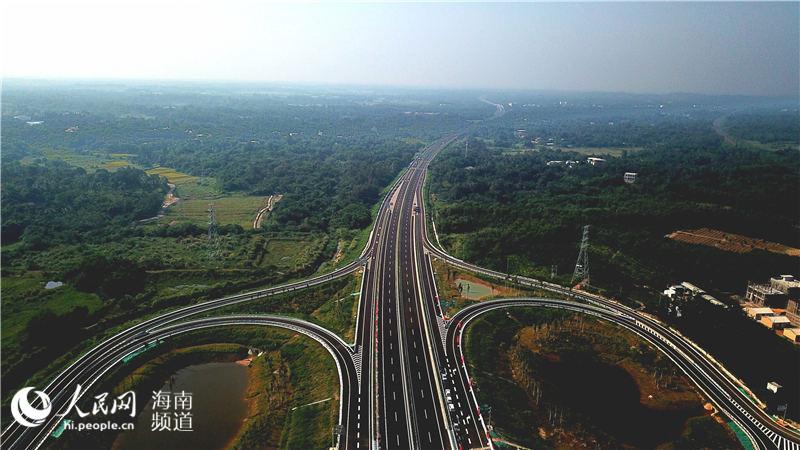 海南省文昌至琼海高速公路今日下午3时开放通车