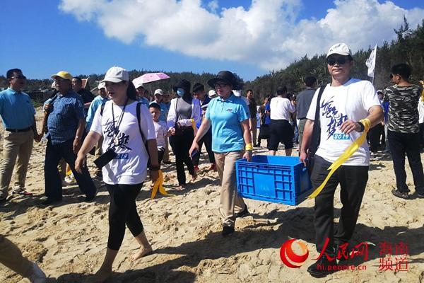 第五届南海海龟保护放归公益活动在海南文昌举办