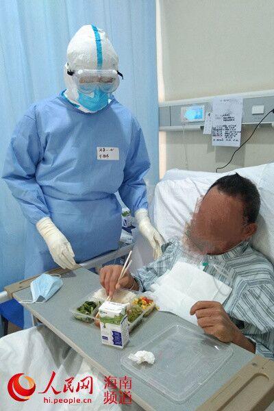 """【战""""疫""""日记】""""老爷爷想下床了,瞬间感觉病房里充满了阳光和希望"""""""