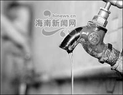 水龙头浪费水资源不容忽视