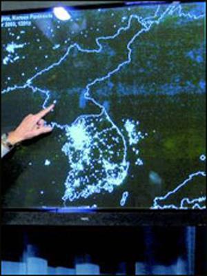 太空看朝鲜半岛:韩国灯火明,朝鲜亮光少
