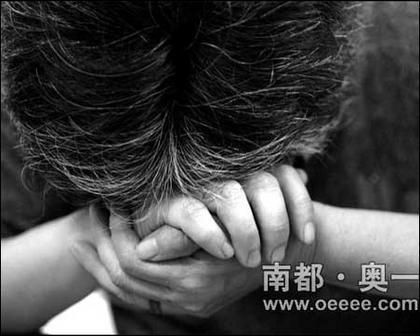 五岁女孩偷看小朋友撒尿,残忍母亲竟将其打死