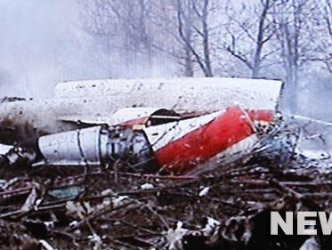 波兰总统乘坐飞机坠毁,机上人员全部遇难